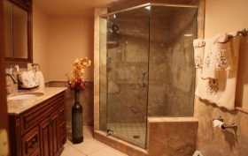 Custom Showers & Tubs
