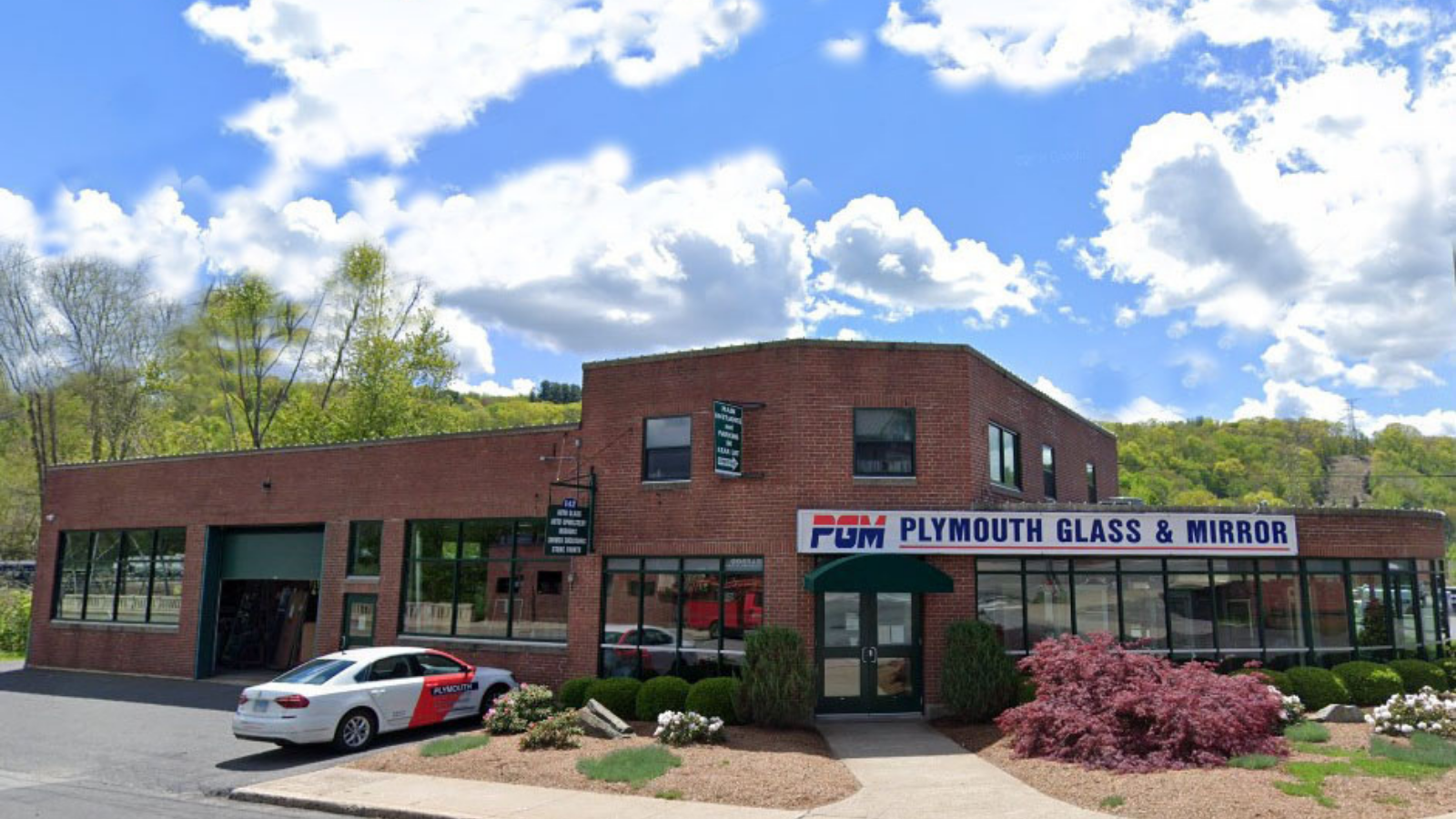 plymouth glass and mirror auto glass replacement shop