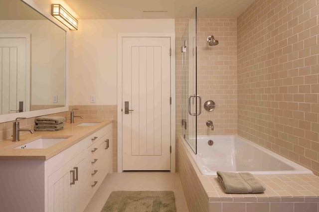 Homeowners in all areas of CT have depended on Plymouth Glass & Mirror for their tub enclosures